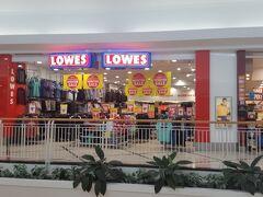 「ケアンズセントラルショッピングセンター」 駅のショッピングセンターです。 「ウィンターセール」中。日本は夏の終わりですが、ここは南半球ですから。セールという言葉に胸が踊ります。