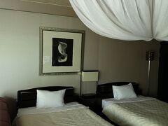 どことなくバリ島の雰囲気あります。 アタミシーズンホテル ツインを3部屋 隣通しで予約できました。