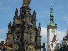 世界遺産の聖三位一体柱【名所番号1】。1716年から1754年にバロック様式で建てられました。これまでも多くの聖三位一体柱を見ましたがこの大きさには圧倒されます。高さが35mもあります。