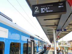 朝のオロモウツの街歩きを手早く終えオロモウツ本駅に来ました。9:11発ブルノ行きの列車で世界遺産の街クロムニェジーシュに向かいます。