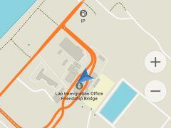 ラオス~タイ友交橋 を経由して~ほぼほぼ 乗客は降りてしまいますが~残りの人がブッダパークに向かいます!  (でも、地元の人の生活バスでもあって、埃だらけの日常が垣間見られます)  ※ ブッダパークよりも 道中の方が興味深い
