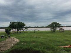 タイ・国境・メコン川 (あっち、行けそうな~)