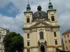 洗礼者ヨハネ教会。1733~1768年にかけて建てられ、対の塔の高さは35mです。