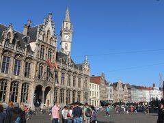 【コーレンマルクト】  旧市街の中心広場、コーレンマルクトです。