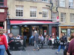 候補に挙げていたお店のうちのひとつ、Gordon's Trattoriaというイタリア料理レストランに席があったのでここにしよう。