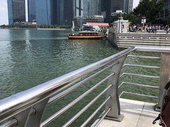 昼食後はマーライオン公園までタクシー出来ました。船も検討しましたが家族で乗るとかなりの金額になるので断念。シンガポールは何をするにも高い・・・