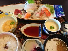 11:00 日本料理 藤陣  お昼は弘前の和食屋さんへ。   お刺身定食 1800円  駐車場 有り