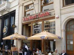お目当てのビアカフェ、ア・ラ・モール・シュビットに。 開店と同時に入店です。