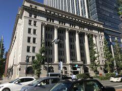 <歴史的建造物4> 明治生命館  設計は岡田信一郎・捷五郎(兄弟)、構造設計が内藤多仲。重要文化財には「明治生命保険相互会社本社本館」として指定されている。