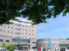秋田県まであと8kmの遊佐町(ゆざまち)。  そうだ、お風呂入んないと。  9:30 「鳥海温泉保養センター あぽん西浜」