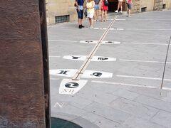 あとで調べたらガリレオ博物館の入口だったんですね だからなのか星座(天体)のものが書かれてたんですね