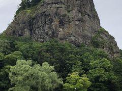 遠軽に親戚がいたので、子供の頃か良く来た事があったが、ずっと瞰望岩の事をガンボ岩だと思っていた・・・・ 自殺の名所らしいが、遠軽のシンボル。
