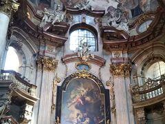 この日も階段で下り、聖ミクラーシュ教会へ(昨日行った旧市街のミクラーシュ教会とは違います)