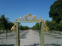 ドロットニングホルム宮殿裏側の庭園の入り口。