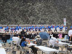 松江城山公園  この日は8/25 土曜日、、 夏祭りが催されていた? (松江だんだん夏踊り)  ステージでは地元のグループの踊り、、露店も並び、、 盛り上がっていましたよ!!