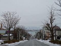 せっかくなら昼間もみておこうかーということで、元町エリアへ。 八幡坂。青空ならよかったなぁ…