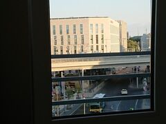 いったん、本日のお宿、ベルリン中央駅の 駅ちかホテル(モーテル ワン ベルリン-ハウプトバーンホフ) にチェックインして、ちょっとだけ仮眠zzz