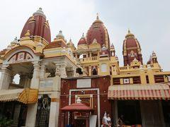 小さいころ子どもたちが好きだったラクシュミ・ナラヤン寺院(ビルラー寺院) 雨季の土砂降りで足止め… 残念ながら外の公園では遊べませんでした