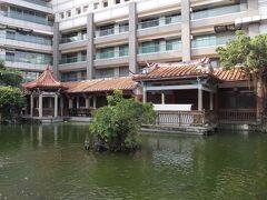 十八卯茶屋の奥には中国式庭園「呉園」があって、台南市民の憩いの場になっていました。