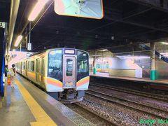 【長岡駅】 E129系。18切符を長岡で下り、レンタカーで新潟へ向かいます。 なぜ新潟まで乗らずに長岡で降りるのかというと、行きの新潟から磐越西線を廻るスケジュールより、会津若松から只見線を廻る帰りのスケジュールの方が厳しいからです。