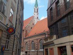 聖ヨハネ教会がチラリ