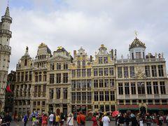ギルドは、中世より近世にかけてヨーロッパの都市において商工業者の間で結成された各種の職業別組合ですが、グラン=プラスは様々なギルドハウスが広場沿いに軒を連ねています。
