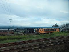 五所川原駅の向こう側には津軽鉄道。
