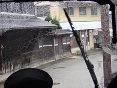 奈良交通の定期観光バスの旅「大神神社・明日香」の続きです。 明日香村の石舞台古墳から飛鳥寺まではおよそ2Kmほど。