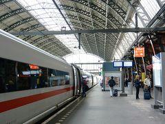 14:40アムステルダム中央駅発ICE127フランクフルト行きで、デュッセルドルフへ戻ります。