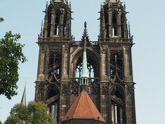 マイセン大聖堂は、聖ヨハネとアレッツォのドナトゥスに捧げられているので、聖ヨハネと聖ドナトゥスの名前を冠しています。 (ウィキペディアより)