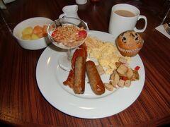 ハートフォードの朝ごはん。ホリデーインの朝食ビュッフェ形式。最高!!!