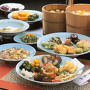 お昼に予定していた萬福寺普茶料理の写真。 世界四大精進料理の一つと言われるが、来年の楽しみにとっておこう。