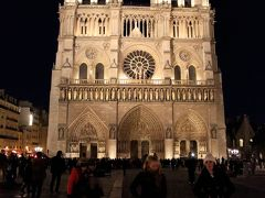 到着当日は『ノートルダム大聖堂』に行ってみました。
