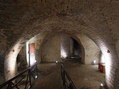 ベルヴュ美術館の地下にあるコーデンブルグ宮殿の遺跡。  なんだかこの旅行中、しょっちゅう地下に潜っている気がします。当時の道の石畳がそのまま地下に埋まっていたり、いろいろと興味深い。