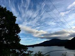 あんまり早朝なので、聖湖のまわりをぐるりとドライブ。空も空気も気持ちよい!