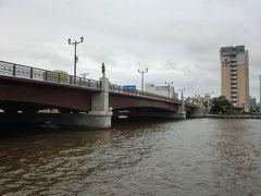 釧路川沿いを散歩、幣舞(ぬさまい)橋  新潟の萬代橋に似ている!?