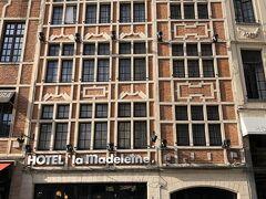 ホテルは場所と値段でこちら。 ブリュッセル中央駅からすぐ、グランプラスもすぐの場所。 ショートステイには便利な場所です。