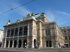 ウィーン国立歌劇場。 9月から既に2018/2019のシーズンはスタートしている。 明日の夜、ここでリヒャルト・シュトラウスのオペラ「ナクソス島のアリアドネ」を観劇予定。