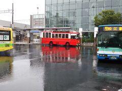 松江駅に到着。雨、激し・・・。