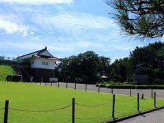 翌日はホテルの近くの霞城公園を散歩。