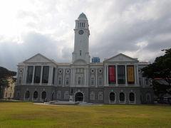 アジア文明博物館  アジアの文化・宗教などの歴史がギュッと集まった博物館。  無料で見学できます。     1800年代後半に建てられ、博物館としてオープンするまでは裁判所や政府官庁として使われていたそうです