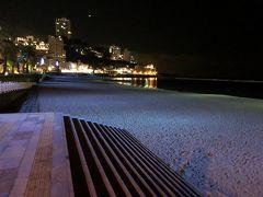 夜のサンビーチ 砂浜がブルーで良い感じ(#^.^#)