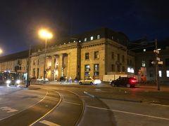 フランクフルト中央駅到着。 ヨーロッパ感が漂う! 夜なので足早にホテルに向かいます。