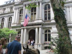 ボストン・ラテン学校跡  馬は銅像