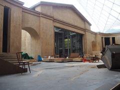 受難劇場も再来年に向けて改装工事中。 ちょっと覗かせてもらいました。