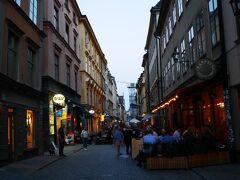 中世の街並みを残す旧市街ガムラ・スタン。 おしゃれなレストランやお土産屋さんが軒を連ねています。