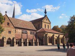 修道院内に入ります。 マウルブロン修道院は1147年に創設されたシトー派の修道院。ドイツ語圏で初めてのゴシック様式建築とされています。 付属する建造物群を含め保存状況が良好なことから、1993年にユネスコ世界遺産に指定されています。