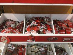 コカ・コーラストアにもラスベガス限定アイテムが。  コーラの赤いロゴとラスベガスの文字がマッチしてCool!