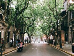 そろそろまともにご飯が食べたいね… ということで新天地に移動。 ヨーロッパの風情があったりしてここもまた素敵。 最新の上海が集まっているらしい。(聞いた話)