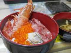 塩釜仲卸市場 マイ海鮮丼コーナー
